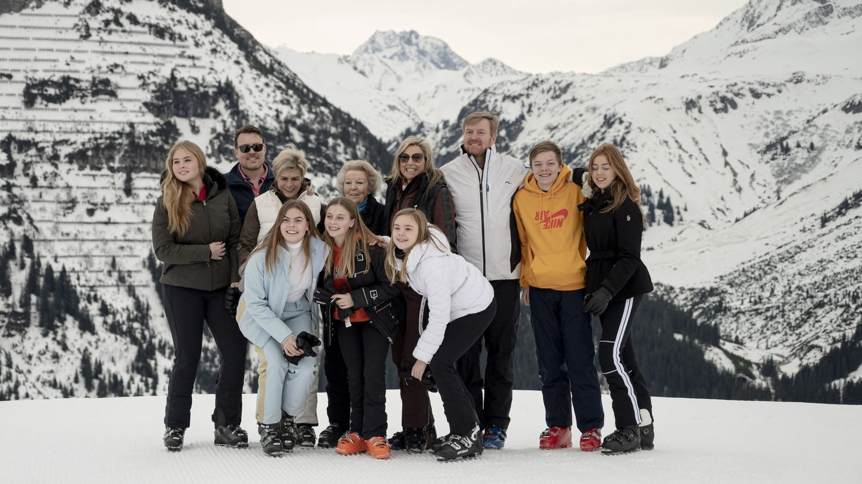 La familia real, en el posado de invierno del año pasado. (Reuters)