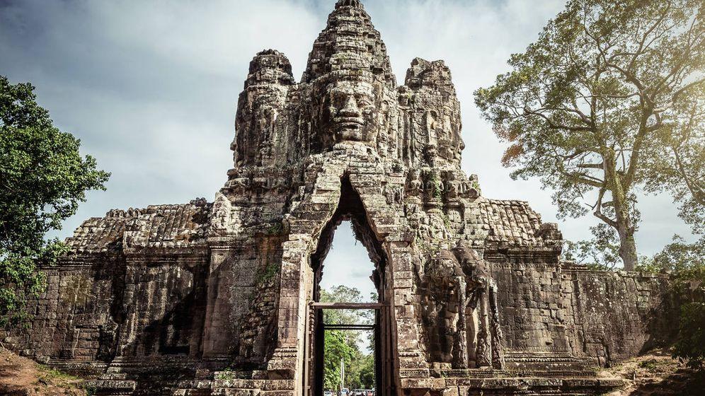 Foto: La puerta de entrada a Angkor Thom, con la representación de Buda en su parte superior. (iStock)
