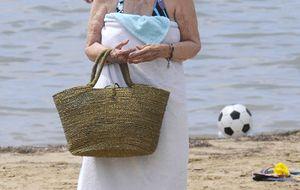 Foto: La Duquesa de Alba se relaja en Ibiza