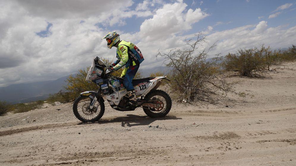 Foto: Imagén de la undécima etapa del Rally Dakar donde tuvo el accidente Edwin Straver. (Efe)