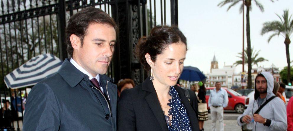 Foto: El torero y la diseñadora, en la Feria de Abril de 2010 (Gtres)