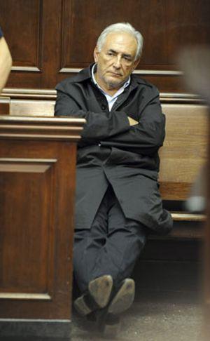 """Strauss-Kahn alegó """"inmunidad diplomática"""" al ser detenido"""