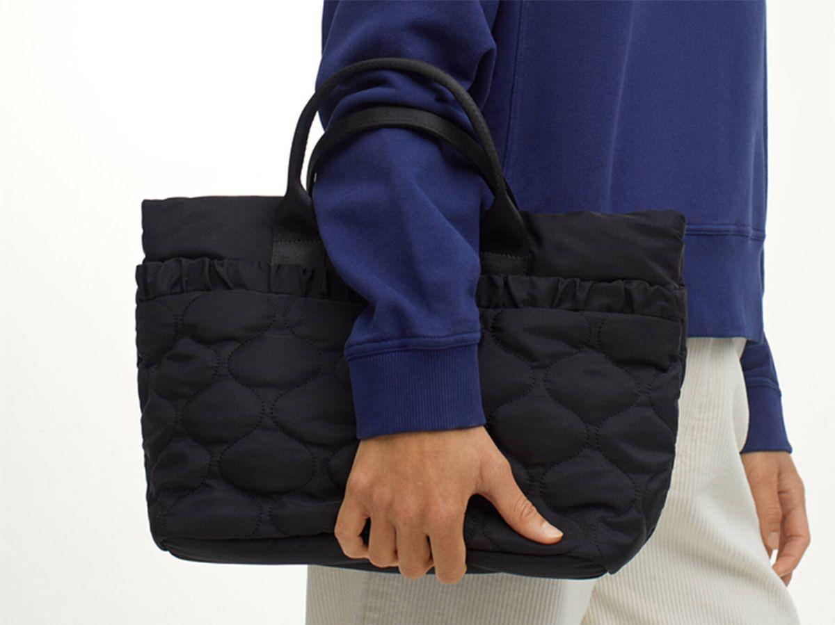 Foto: Parfois tiene una variedad de bolsos acolchados en sus novedades que no te puedes perder. (Cortesía)
