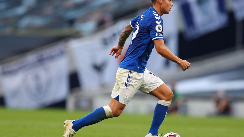 James, durante un partido con el Everton. (EFE)
