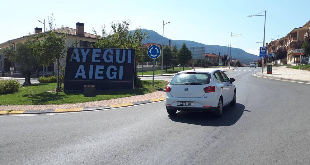 Foto: Entrada al municipio navarro de Ayegui con su denominación en castellano y euskera. (EC)