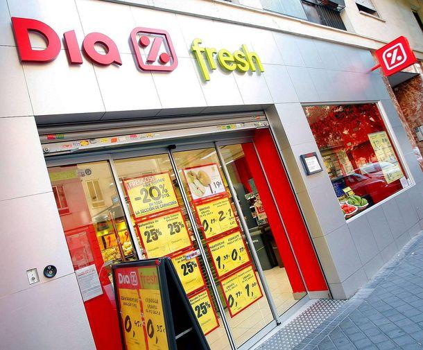 Foto: DIA extenderá los puntos de recogida de pedidos 'online' a todas sus tiendas. (EFE)