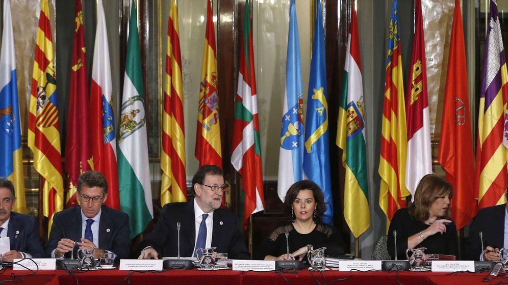 Foto: Ni Urkullu ni el presidente catalán estuvieron tampoco en la última conferencia presencial de 2017. (EFE)