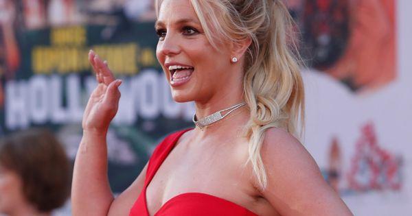 ¿Recuerdas el body de latex rojo de Britney Spears? Esta es la historia que esconde