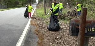 Post de Contratan a personas sin hogar para recoger la basura y les pagan 8,40 €/hora