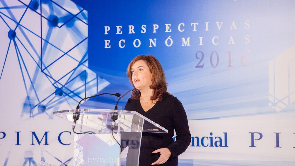 Foto: La vicepresidenta, Soraya Sáenz de Santamaría, interviene en el Foro PIMCO-El Confidencial. (Jorge Álvaro Manzano)