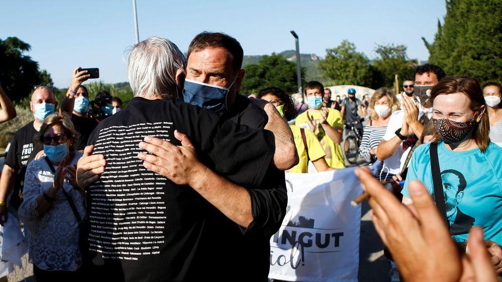 Foto: El exvicepresidente de la Generalitat Oriol Junqueras tras salir de prisión. (EFE)
