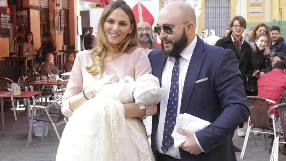 Kiko Rivera le pide matrimonio a Irene Rosales en el bautizo de su hija Ana