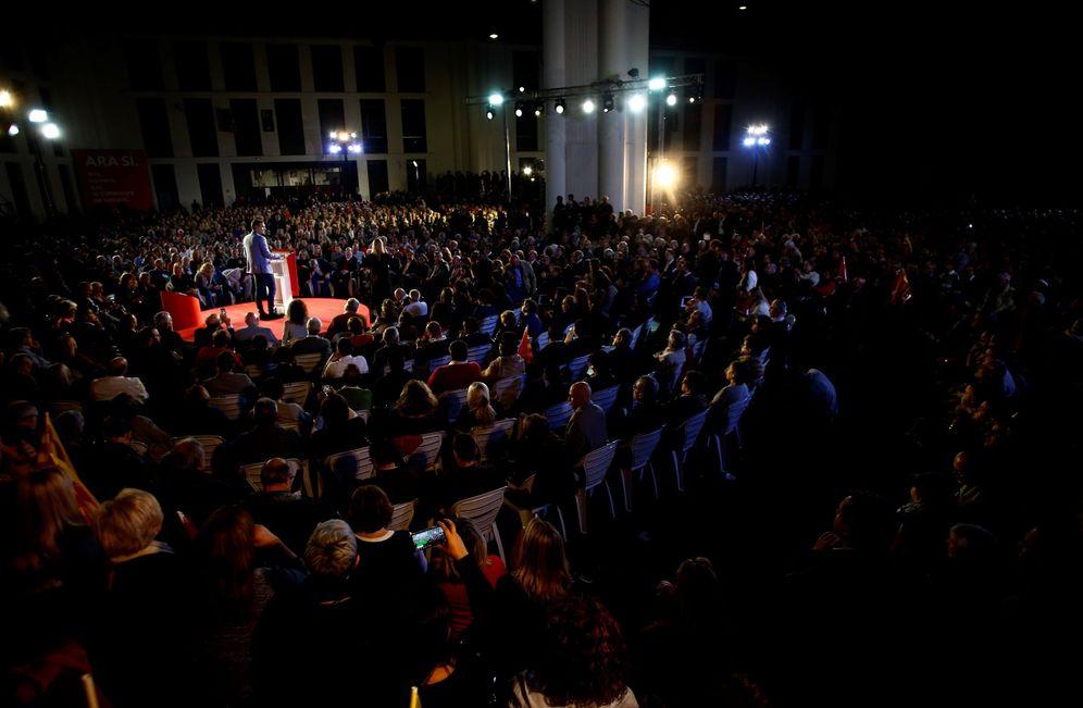 Foto: Pedro Sánchez, en el mitin de cierre de campaña de las generales, el pasado 8 de noviembre en Barcelona. (EFE)