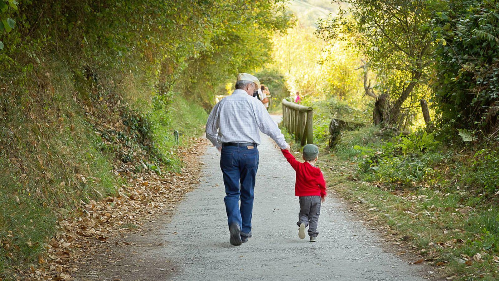 Foto: Un trabajo después de la jubilación: ser padres a tiempo completo. (iStock)