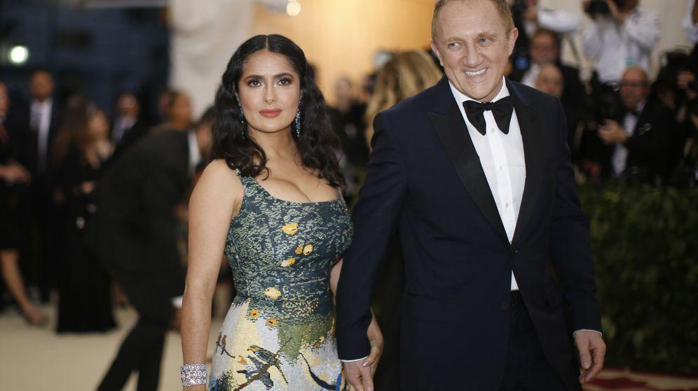Foto: Salma Hayek, junto a su esposo, el millonario François-Henri Pinault. (Reuters)