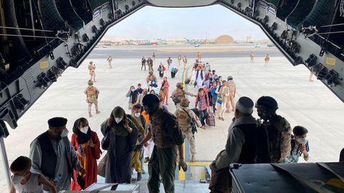 El cerco talibán dificulta la salida de afganos y España llena el avión con personal de la UE