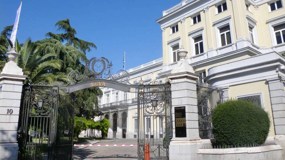 Foto: Edificio de BBVA en paseo de Recoletos 10 (Madrid). (Wikimedia Commons)