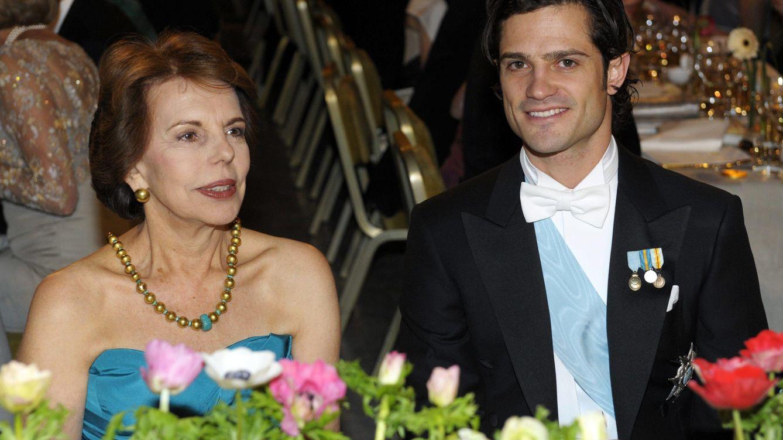 Foto: Patricia Llosa junto al príncipe Carlos Felipe de Suecia, en una imagen de archivo (Gtres)