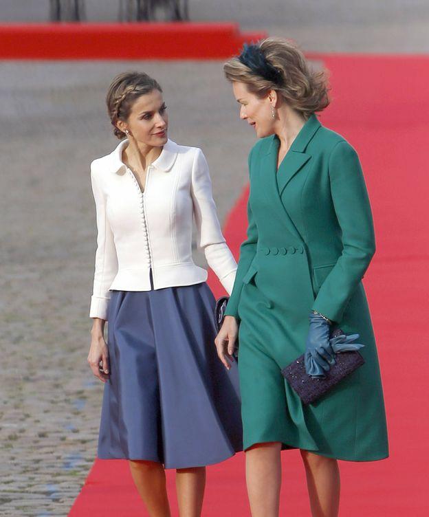 Foto: La reina Matilde junto a Doña Letizia (Gtres)