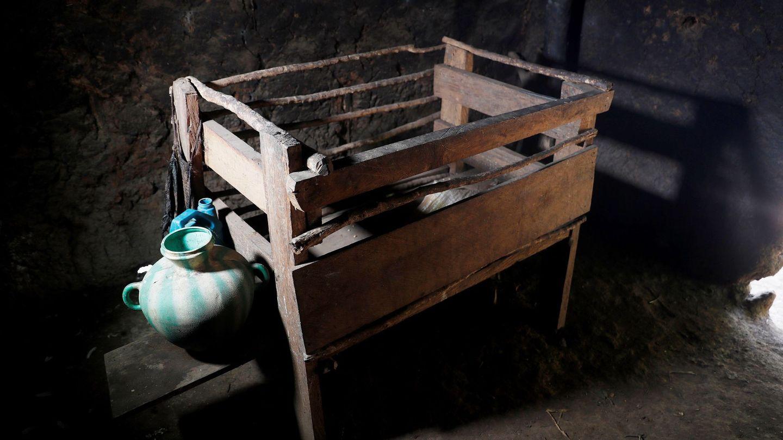 Cuna de madera de un niño en el caserío el Ceibal en el municipio de Jocotán, Chiquimula en el Corredor Seco de Guatemala en donde la sequía provoca decenas de casos de desnutrición infantil. (EFE)