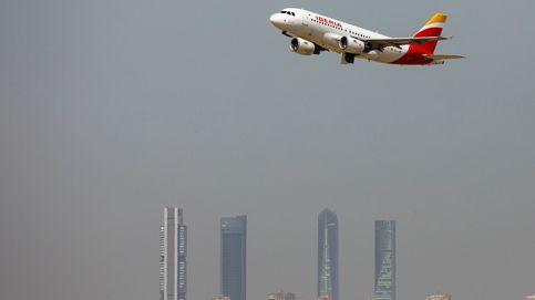 Un informe oculto de la CE revela que viajar en avión subirá un 10% en España por el CO2