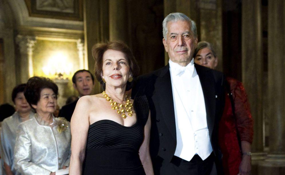 Foto: Vargas Llosa y Patricia en una imagen de archivo. (Gtres)