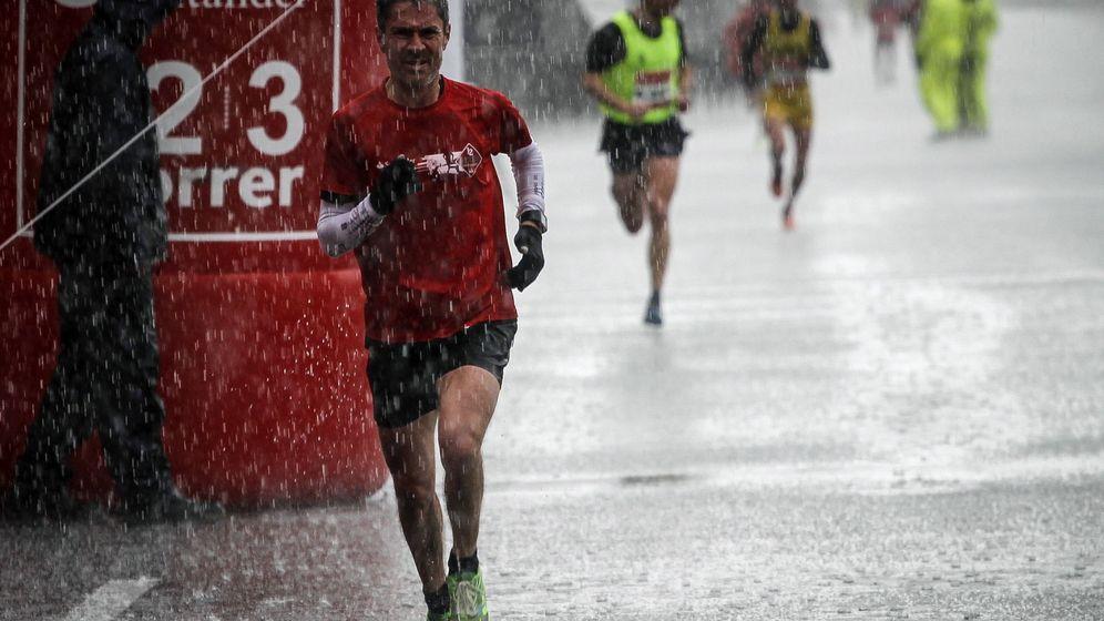 Foto: Martín Fiz en la media maratón de Santander de 2016 (EFE)