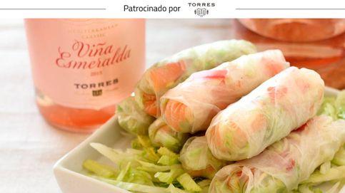 Rollitos de salmón ahumado y vegetales: un plato envuelto en obleas de arroz