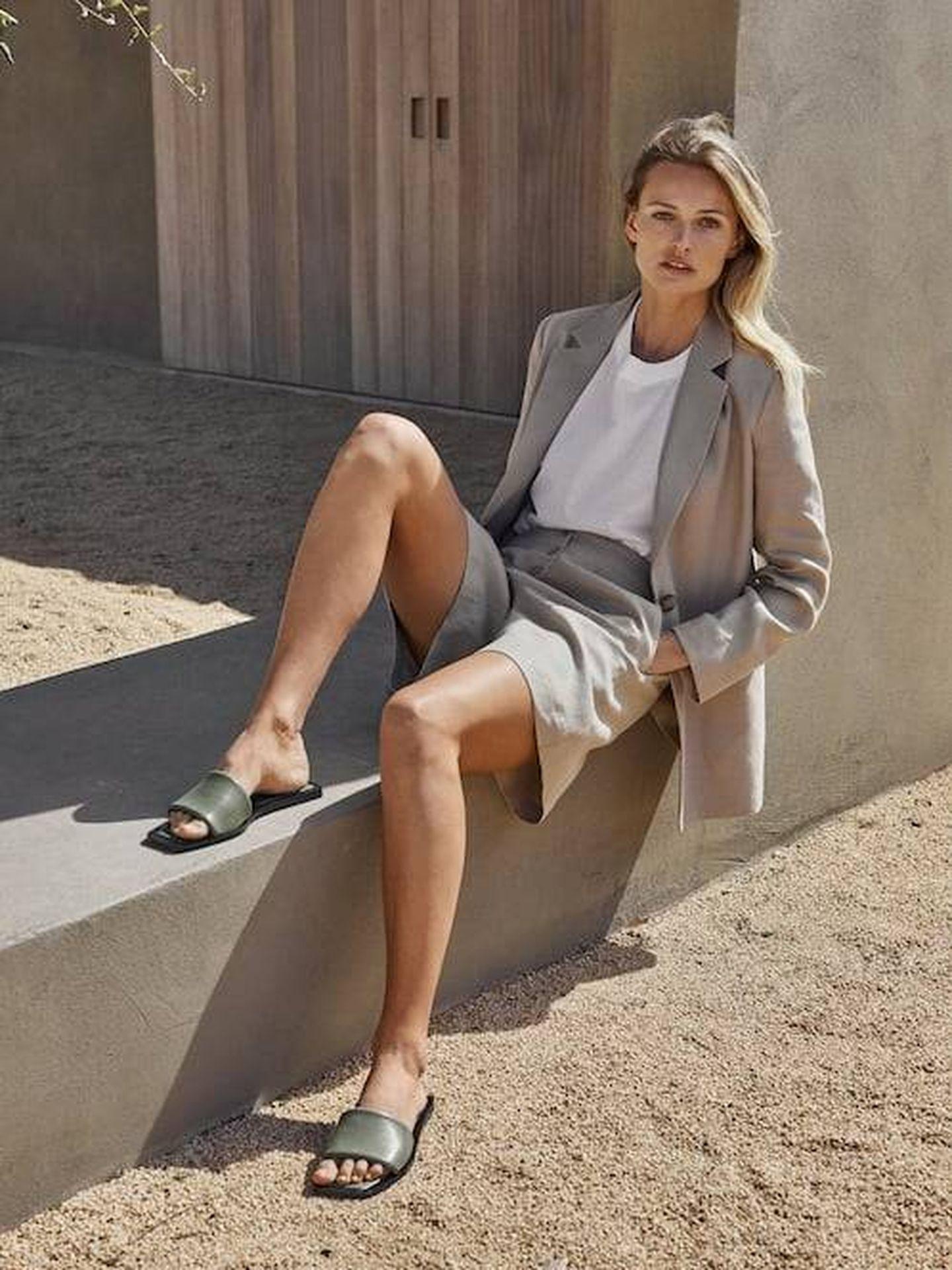 Las nuevas sandalias planas de Massimo Dutti. (Cortesía)
