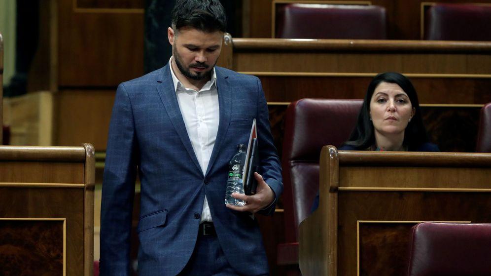 Foto: El portavoz de ERC, Gabriel Rufián, asiste al pleno del Congreso. (EFE)