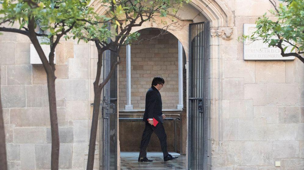 Foto: Carles Puigdemont, en el Palau de la Generalitat. (EFE)