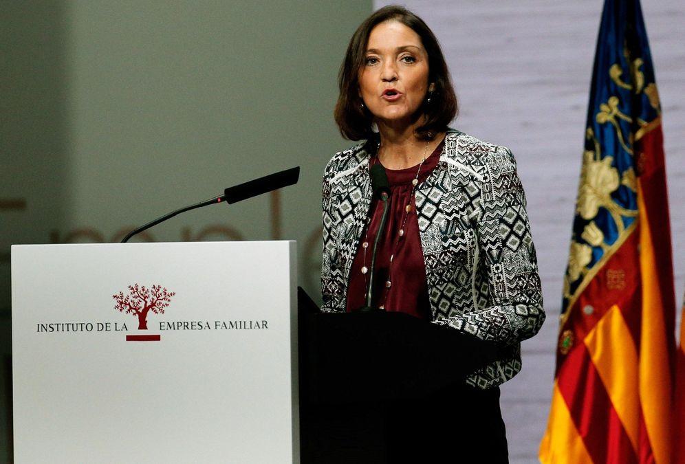 Foto: La ministra de Industria, Reyes Maroto, interviene en el XXI Congreso Nacional de la Empresa Familiar, en Valencia el pasado 29 de octubre. (EFE)