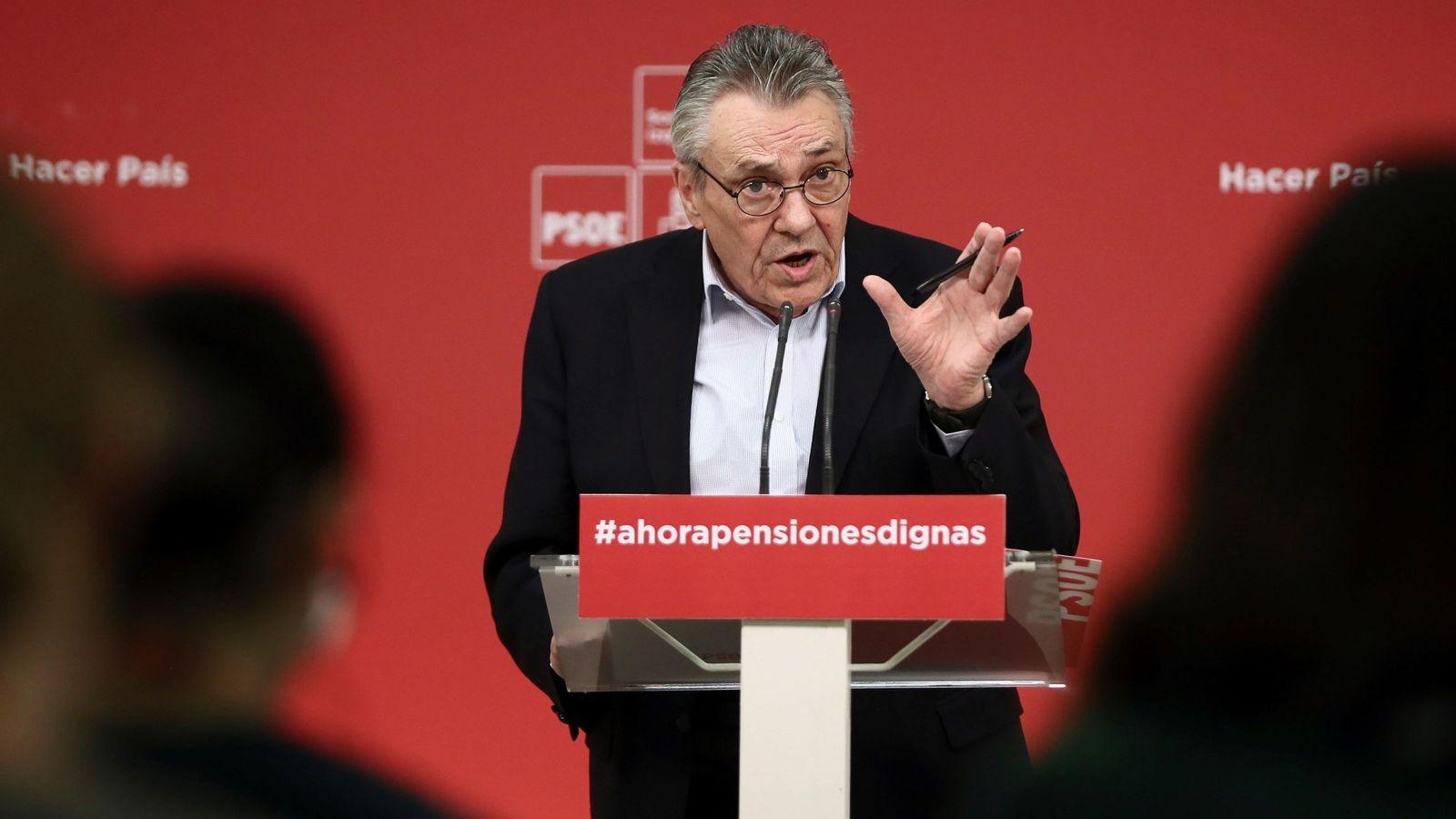 Foto: El secretario de Política Económica y Empleo del PSOE, Manu Escudero, este 26 de febrero. (EFE)