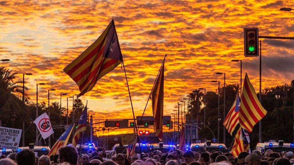 Foto: Manifestación en contra de la visita del Rey a Barcelona. (EFE)