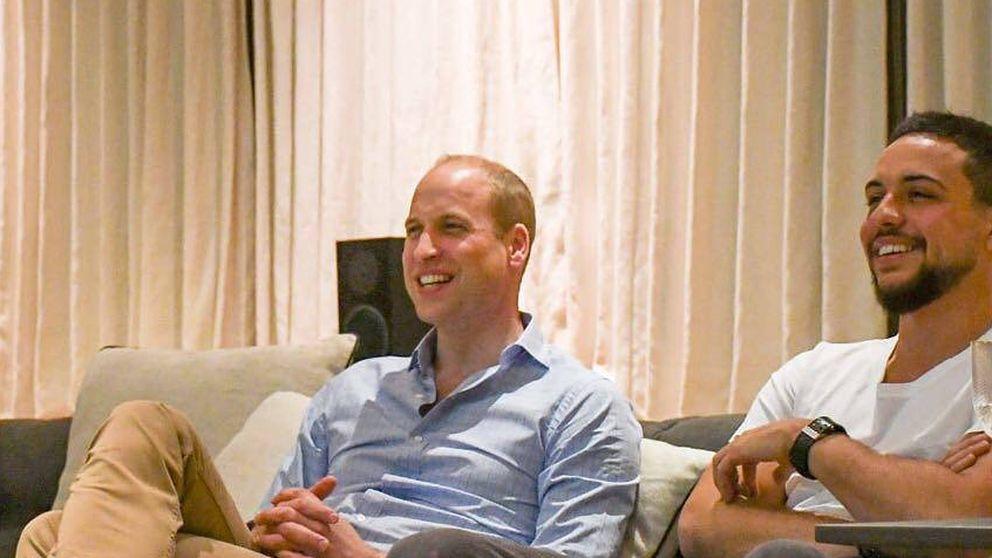 El príncipe William y Hussein de Jordania, dos herederos viendo el Mundial