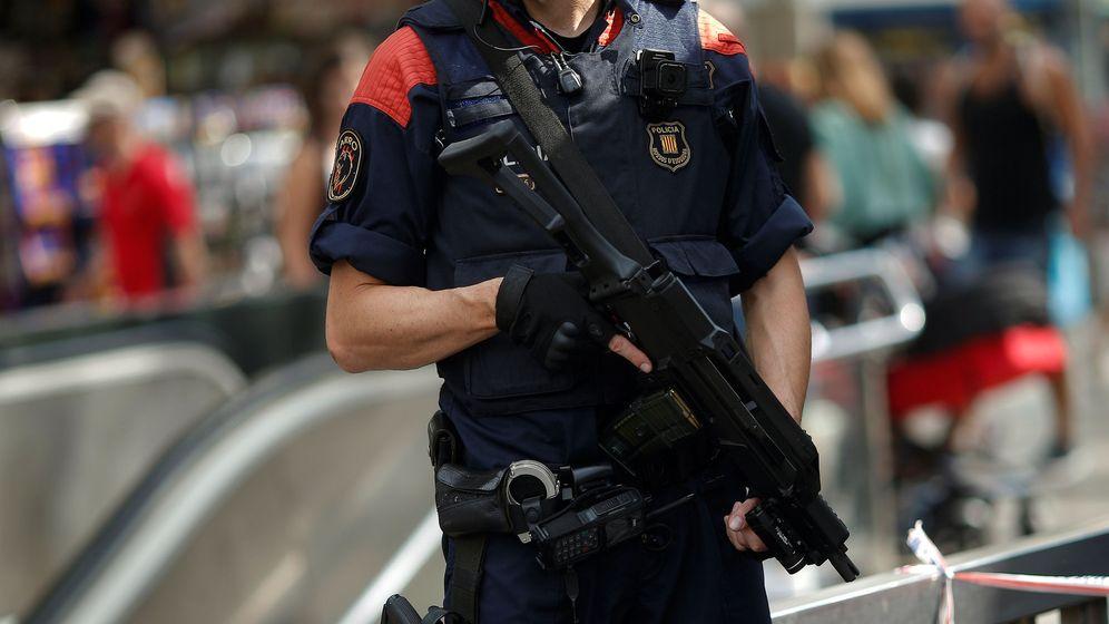 Foto: Un agente de los Mossos d'Esquadra. (Reuters)