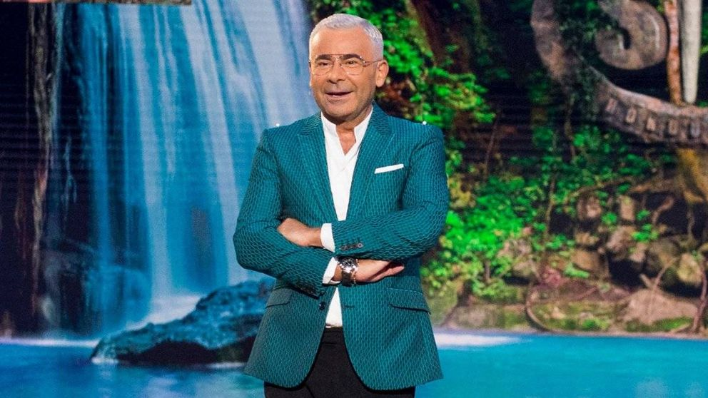 Jorge Javier Vázquez se mofa de Violeta tras tratar de abandonar 'Supervivientes'