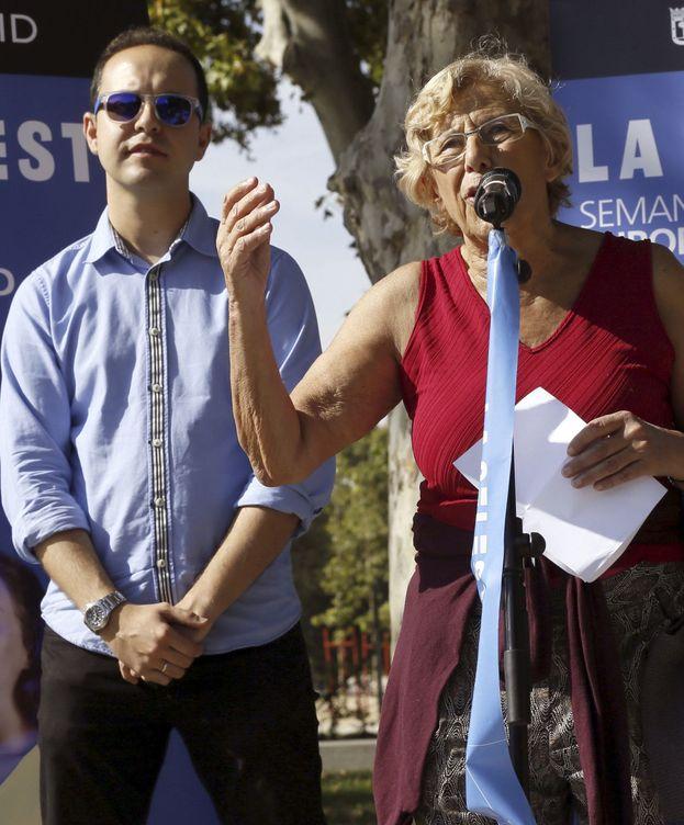 Foto: La alcaldesa de Madrid, Manuela Carmena, junto al concejal de Desarrollo Urbano, José Manuel Calvo.