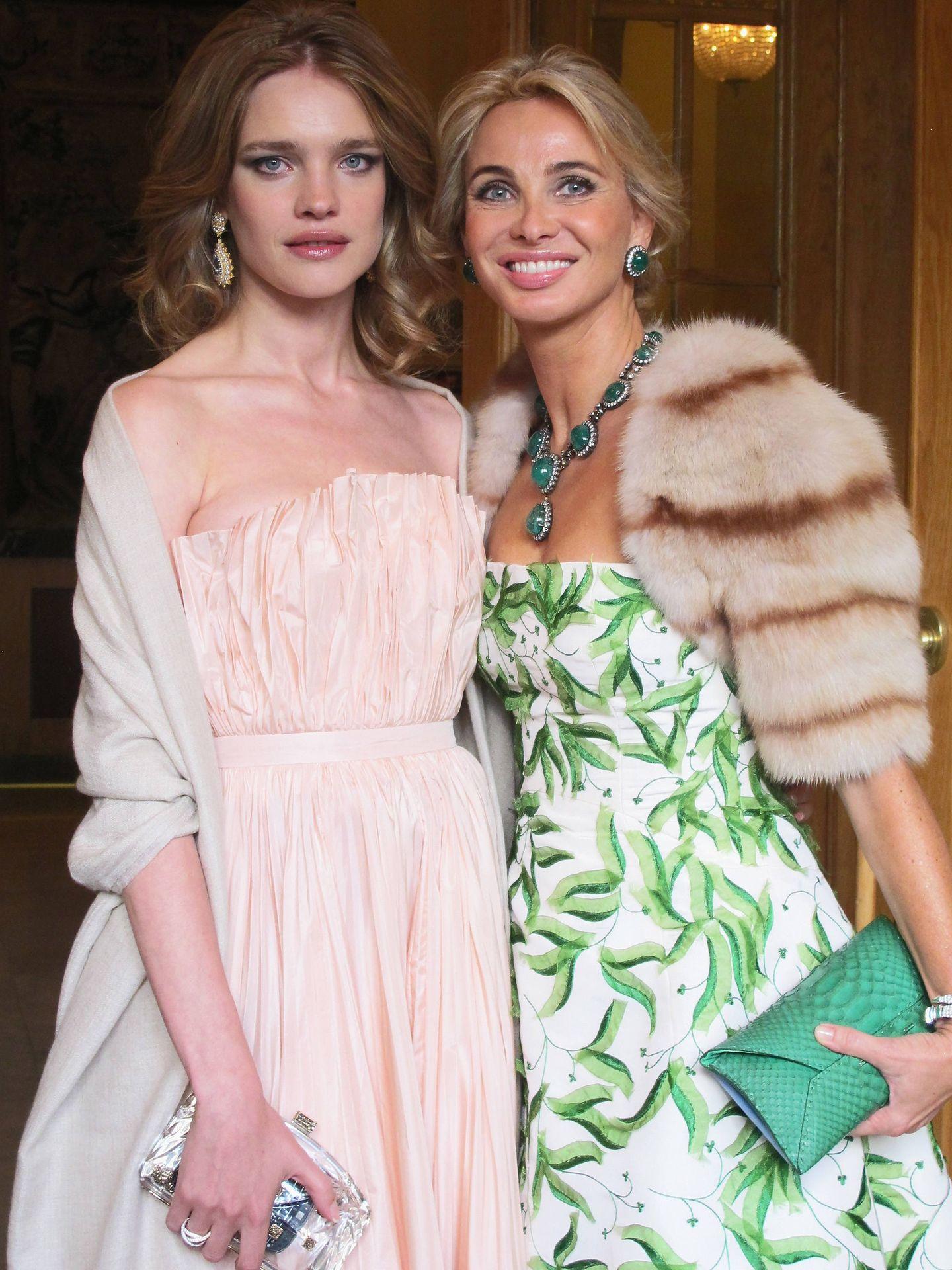 Corinna, junto a Natalia Vodianova. (Getty)