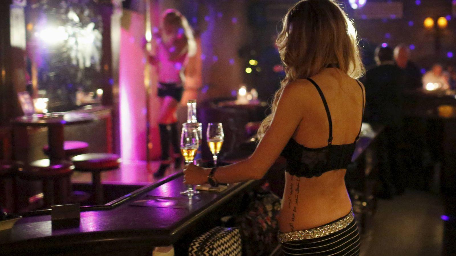 prostitutas en europa el de los españoles admite que pagó a prostitutas el año pasado