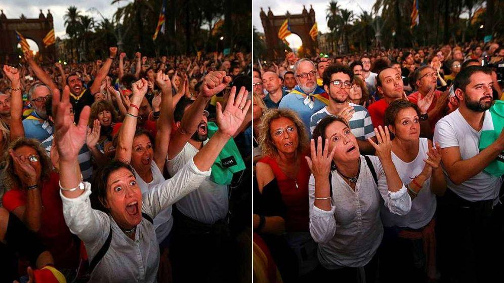 Foto: Concentración del 10 de octubre ante el Parlament cuando Puigdemont declaró la independencia de Cataluña... y ocho segundos después la suspendió.