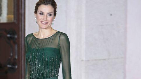 La Reina por fin saca a pasear en Lisboa su controvertido vestido de patinadora