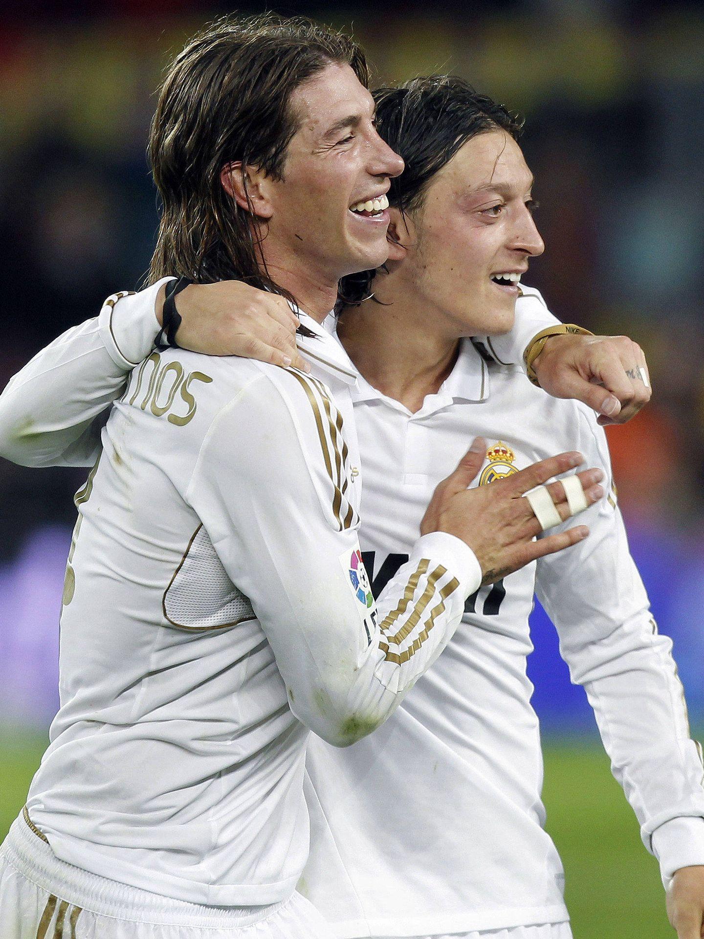 Ozil y Ramos, en su etapa como madridista. (EFE)