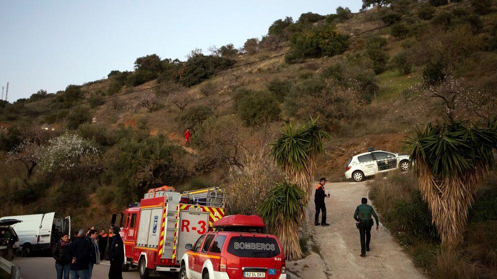 Hallan una bolsa de chucherías en el pozo donde cayó el niño de dos años en Málaga