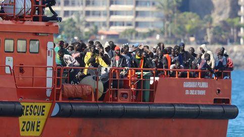 Mil inmigrantes al día llegan a Canarias: los sobrepasados policías piden ayuda urgente