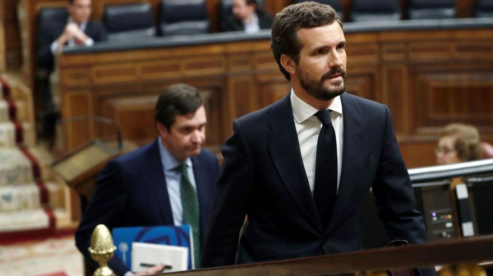 Foto: El líder del PP, Pablo Casado, durante el pleno del Congreso. (EFE)