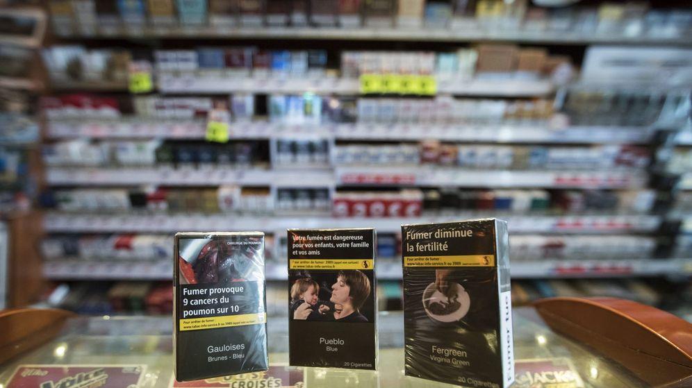 Foto: Cajetillas de cigarrillos genéricas. (EFE)