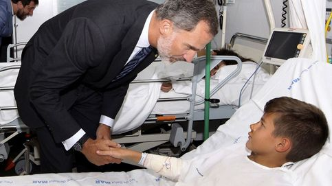 Los Reyes visitan a los heridos en el atentado de Barcelona