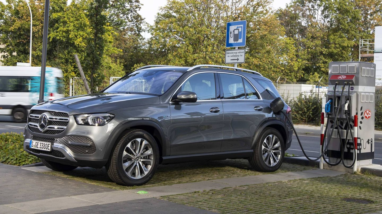 El Mercedes GLE se ofrece con mecánica híbrida enchufable y con motor diesel o de gasolina.