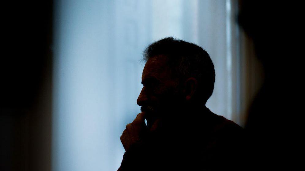 Foto: José Luis, mientras narra su historia. (Roberto Gómez)
